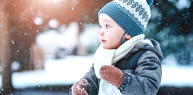 Partir à la neige avec bébé : quelles sont les précautions à prendre ?