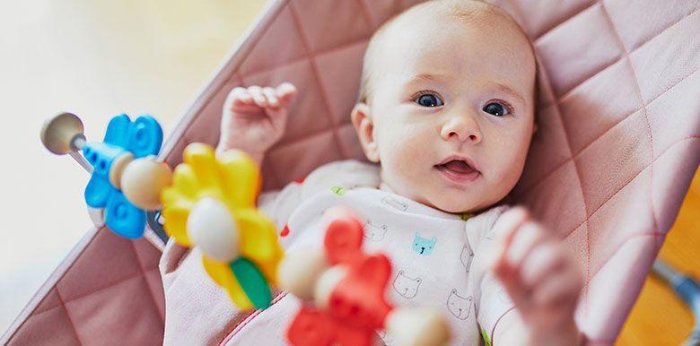 Les astuces pour éveiller bébé