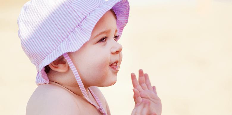 Vacances avec bébé : 6 astuces pour voyager léger !