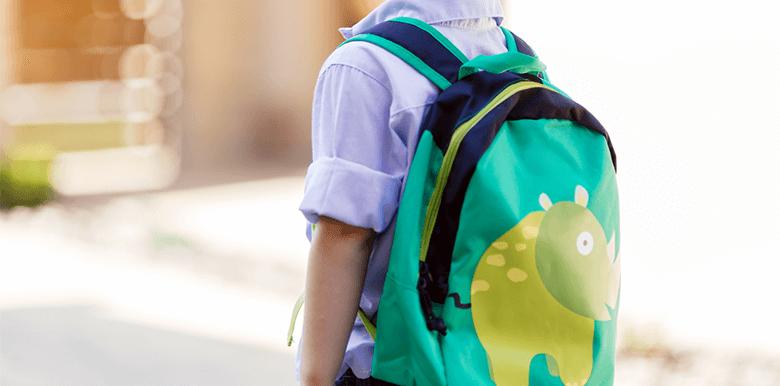 Il rentre en maternelle : je mets quoi dans son sac ?