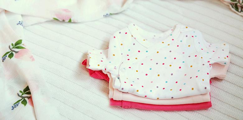 Des idées de cadeaux naissance qui plaisent aux grands-parents et aux enfants
