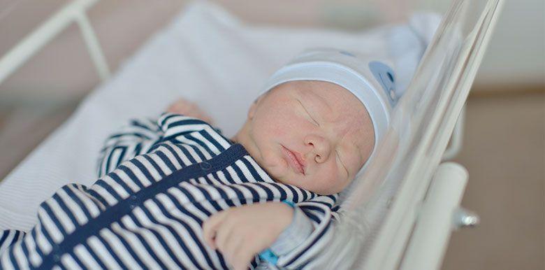 Les nuits à la maternité avec bébé : comment ça se passe ?