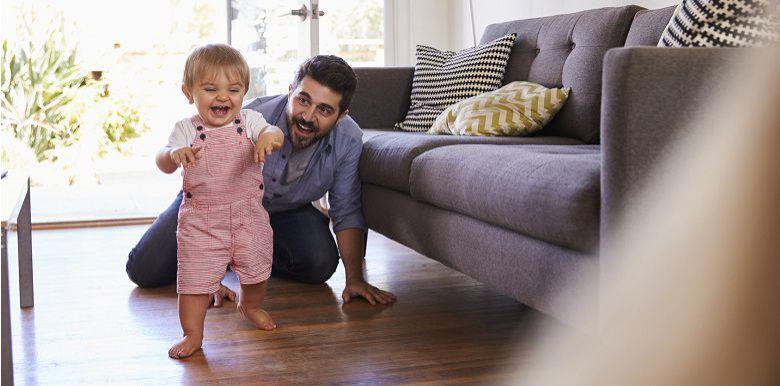 Bébé marche : comment sécuriser votre maison