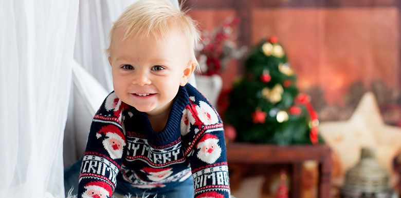 Tenue de fête de Bébé : l'habiller pour Noël et le Nouvel An