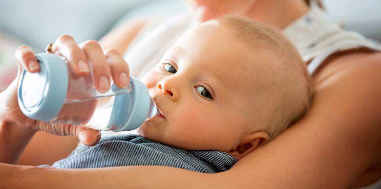 1L d'eau par jour pour bien hydrater bébé