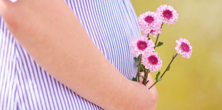 Phytothérapie et grossesse : se soigner par les plantes