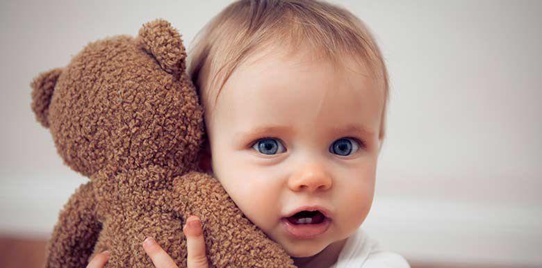 Comment bien choisir le doudou de bébé