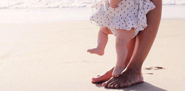 Vacances à la mer avec bébé : les indispensables