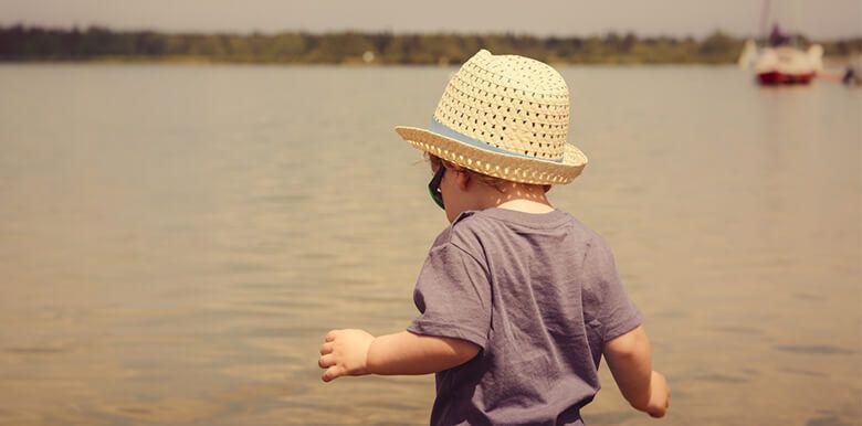 Les petits maux des vacances : insolation, coup de soleil, boutons de chaleur, piqûre, comment réagi